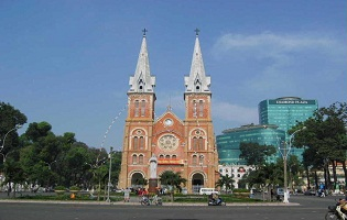 FREE & EASY IN HO CHI MINH CITY